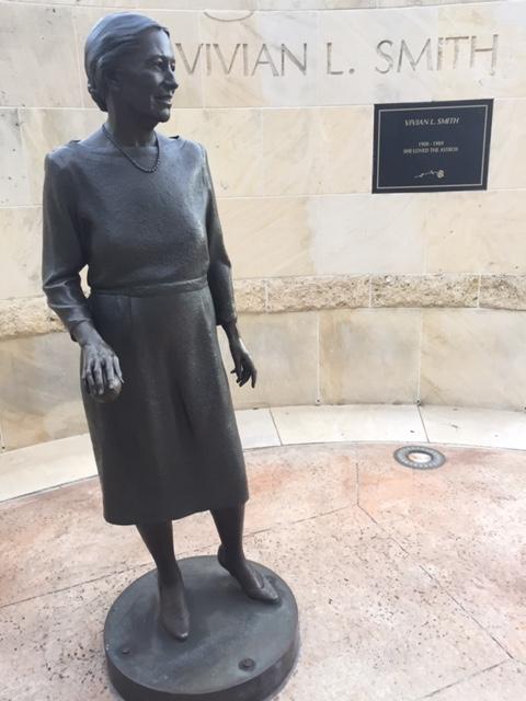 Vivian Smith Statue